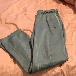 Nike's women's sweatpants